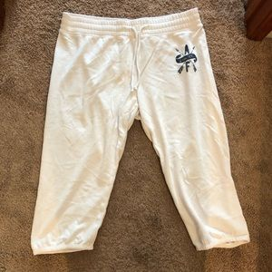 Abercrombie & Fitch cropped sweatpants